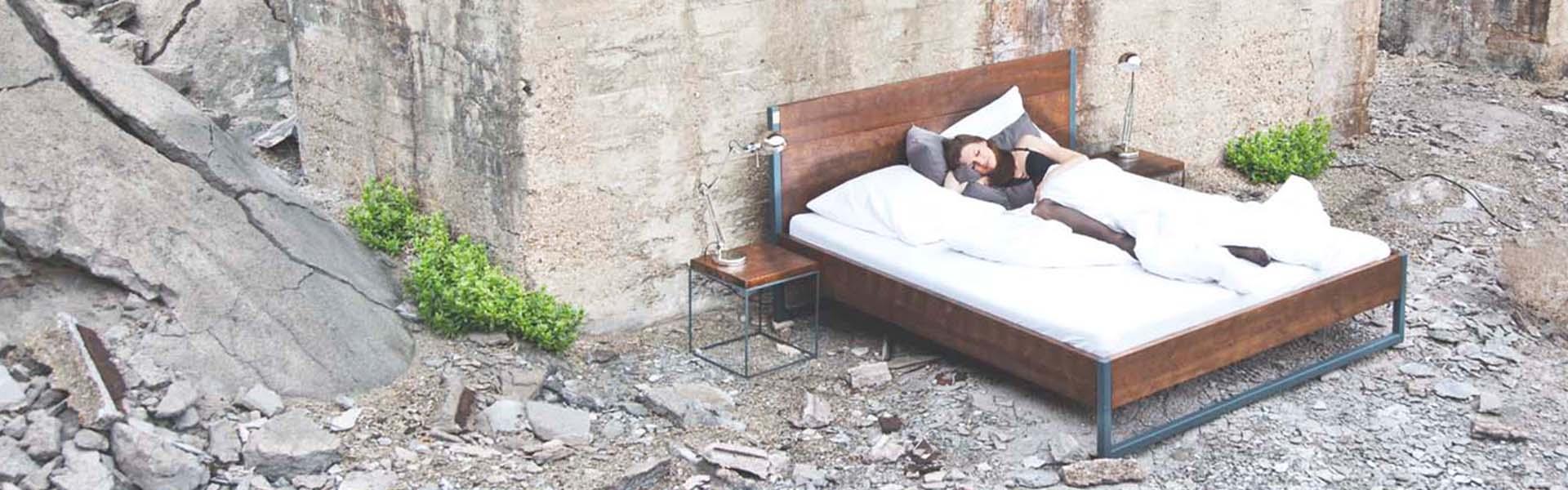 bett industrial design jetzt online entdecken satamo. Black Bedroom Furniture Sets. Home Design Ideas