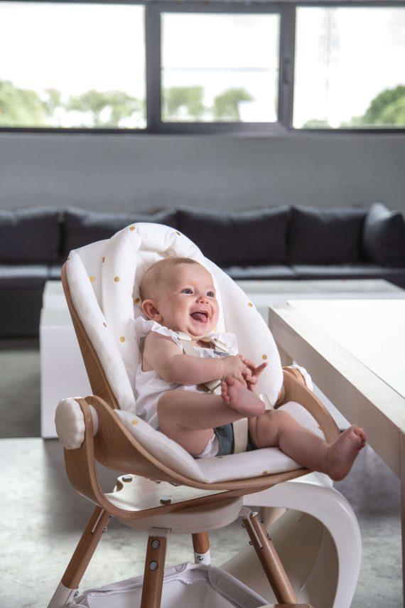 Hochstuhl mit Neugeboreneneinsatz