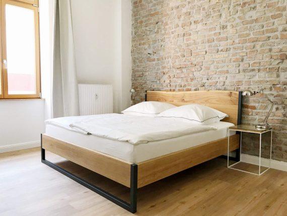 Massivholzbett 180x200 Komforthöhe - Bett Wildeiche